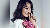Tak Malu, Aktris Ini Bungkus Sisa Makanan di Pesta Pernikahan