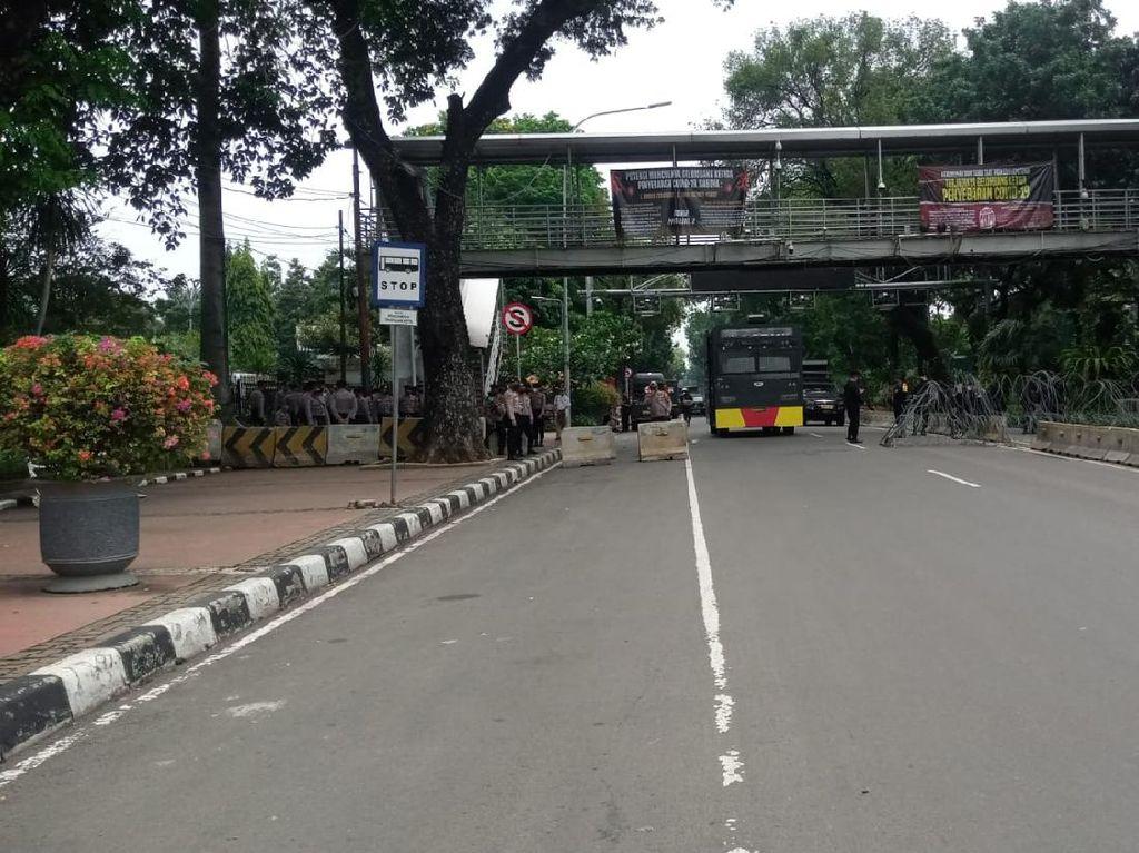Selain Medan Merdeka Barat, Jalan di Sekitar Istana Ditutup Gegara Demo