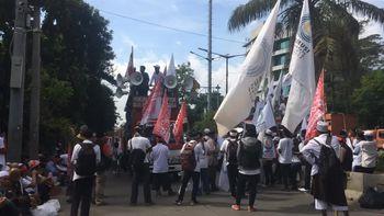 Aksi Parade Penyair Parmusi di Sidang Basuki