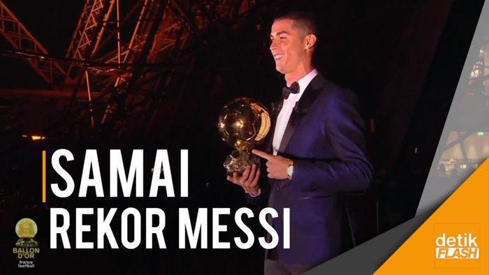 Cristiano Ronaldo Raih Ballon dOr 2017