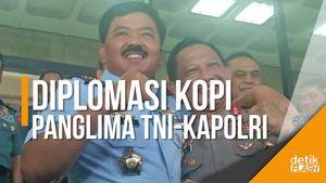 Panglima TNI Ajak Kapolri Ngopi Bareng di Darat, Laut, dan Udara
