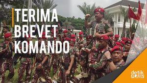 Saat Panglima TNI Hadi Tjahjanto Diarak Ratusan Prajurit Kopassus