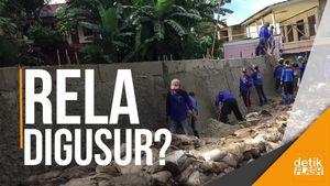 Warga Rela Rumahnya Digeser demi Normalisasi Kali Pulo, Asal...