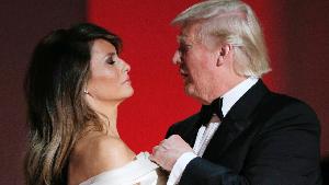 Kenapa Sih Donald Trump Tak Pernah Pakai Cincin Kawin?