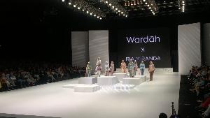 Ria Miranda Sajikan Busana Ready to Wear Bergaya 70-an di IFW 2017