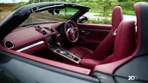 Melesat dengan Impresi Kemewahan Porsche 718 Boxster S