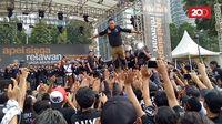 Agus Yudhoyono yang Keranjingan Stage Dive