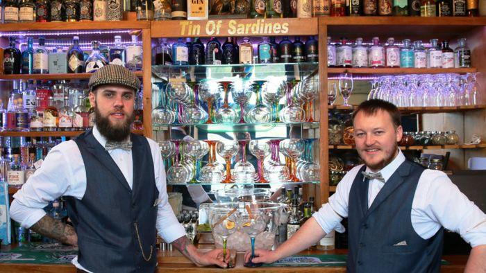 Penampakan Gin Bar Termungil di Dunia
