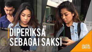 Gaya Kasual Putri Setya Novanto di KPK