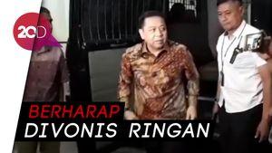 Ekspresi Novanto Jelang Vonis