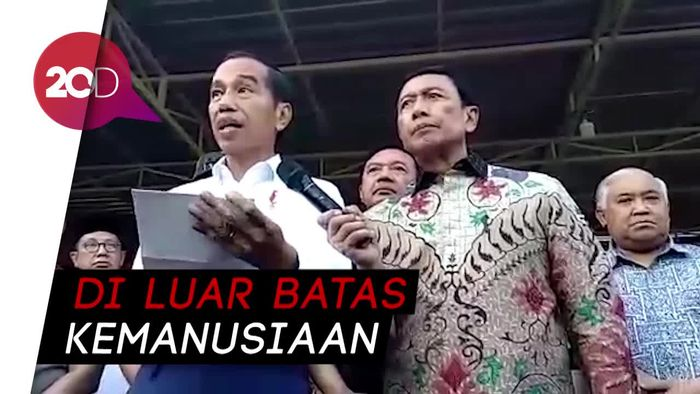 Jokowi: Bom Gereja Surabaya Biadab!