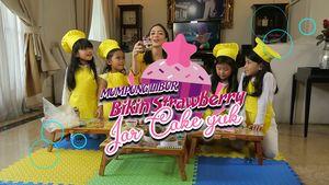Resep Anak: Strawberry Jar Cake