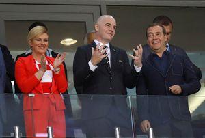 Lagi Telanjang Dada, Pemain Kroasia Dipeluk Presidennya