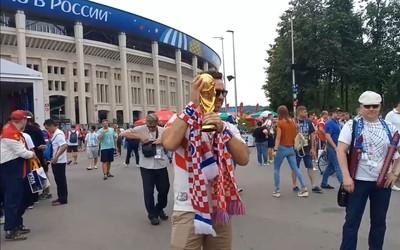 Fans Prancis dan Kroasia Berduyun-duyun ke Stadion Luzhniki