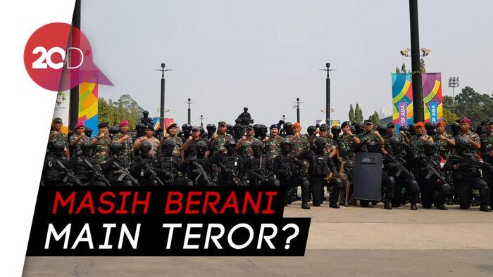 Aksi Pasukan Elite TNI Simulasi Tanggulangi Teror Asian Games