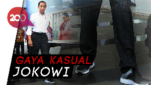 Sepatu Sneakers Temani Jokowi Keliling GIIAS 2018
