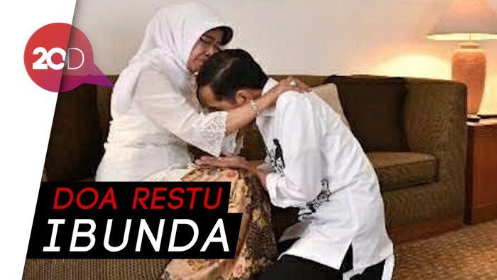 Momen Jokowi Sungkem ke Ibu Sebelum Menuju KPU