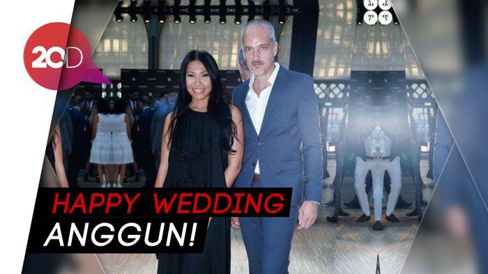 Ucapan Suka Cita Netizen di Hari Pernikahan Anggun