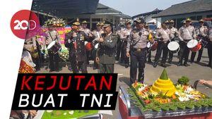 Di HUT TNI, Kapolres Sukabumi jadi Mayoret-Ngeband di Water Canon