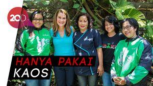 Gaya Melinda Gates saat Nongkrong Bareng Driver Go-Jek di Bali