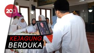 Isak Tangis Iringi Kepergian Jaksa Korban Lion Air PK-LQP