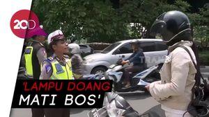 Ditilang Polisi karena Lampu Mati, Pemotor Ini Ngedumel