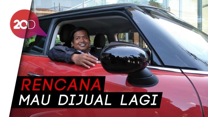 Gaya Driver Ojol Jajal MINI Cooper Rp 12.000