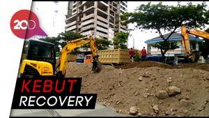 24 Jam Nonstop, Alat Berat Bekerja Recover Jalan Gubeng