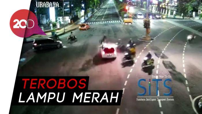 Video Brio Tabrak Pengendara Motor Sampai Terpental di Surabaya
