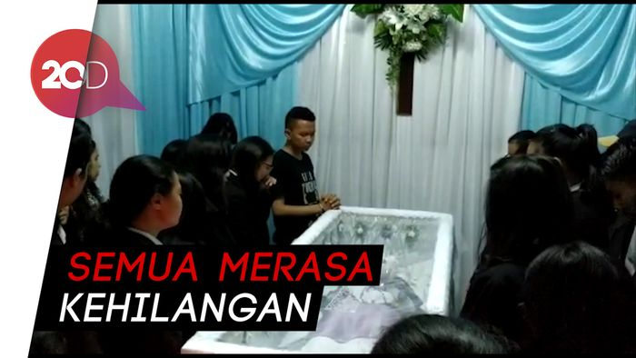 Tangis Keluarga Sambut Jenazah Noven Siswi SMK Korban Penikaman
