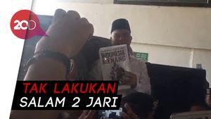 Tiba di PN, Ahmad Dhani Acungkan Buku Indonesia Menang