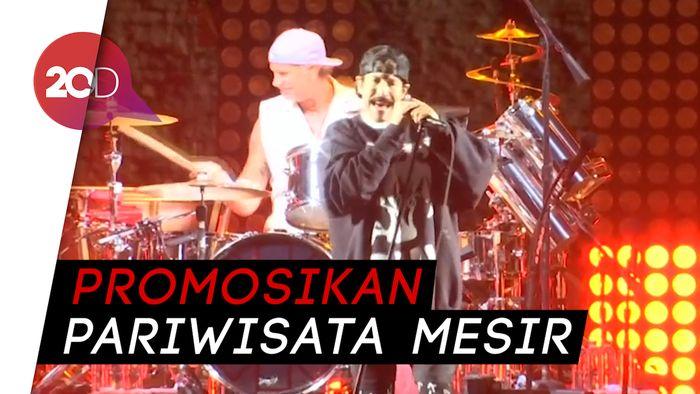 Red Hot Chilli Peppers Gelar Konser di Depan Piramida Mesir