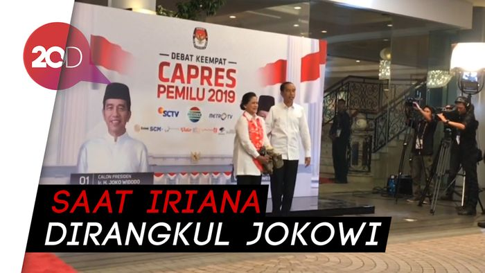 Melihat Kemesraan Jokowi-Iriana Setibanya di Arena Debat