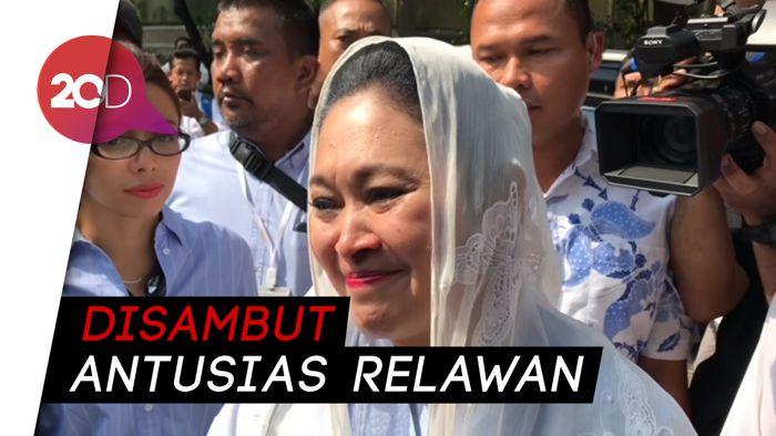 Tiba di Rumah Prabowo, Titiek Soeharto Diteriaki Ibu Negara