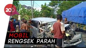 Diduga Ngantuk, Mobil Anggota KPPS Bojonegoro Tabrak Truk