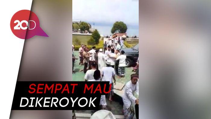 Caleg Nyinyir, Jemaah Masjid Kembalikan Karpet dan Jam