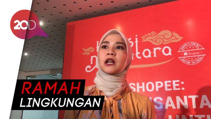 Zaskia Adya Mecca Gunakan Plastik dari Singkong untuk Dagangannya