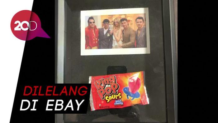 Bungkus Permen Cincin Pernikahan Joe Jonas-Sophie Dijual Puluhan Juta