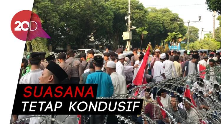 KPU Didemo 3 Kelompok Massa Sekaligus