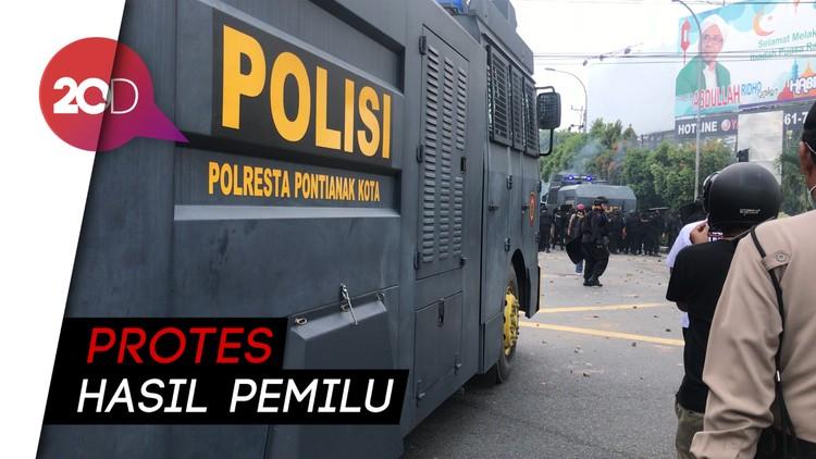 Rusuh di Pontianak, Massa Blokir Jembatan & Bakar Pos Polisi
