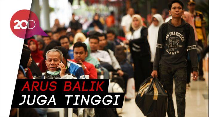 H+2 Lebaran, Masih Banyak Pemudik Keluar Jakarta via Stasiun Senen