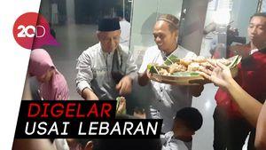 Tradisi Berebut Kupat Jembut di Semarang