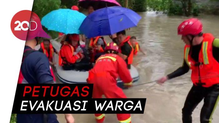 Hujan Lebat Sebabkan Banjir di Selatan China