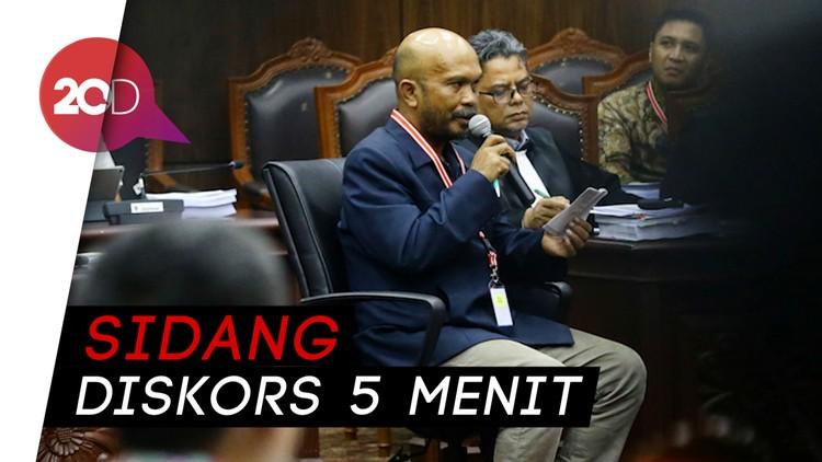 Saksi Prabowo Tiba-tiba Tertunduk, Ternyata Kebelet Buang Air