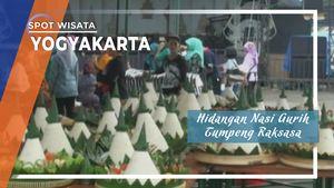 Nasi Gurih Telur Merah Tumpeng Raksasa Yogyakarta
