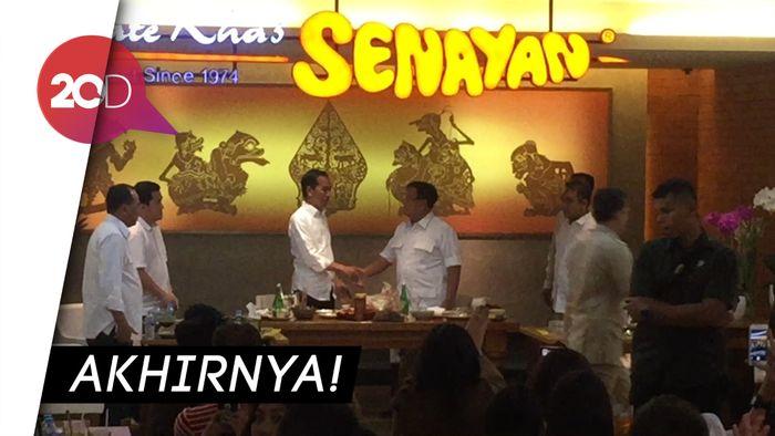 Momen Pertemuan Jokowi-Prabowo, Naik MRT hingga Makan Siang