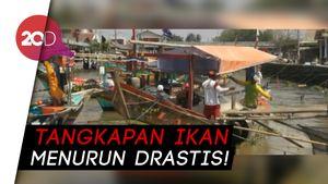 Minyak Mentah Tumpah di Pantai Cilamaya, Nelayan Merugi