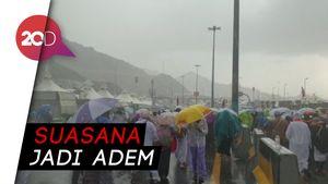 Hujan Deras Guyur Mina