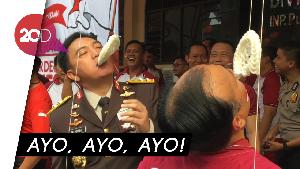 Kala 2 Jenderal Polisi Berlaga di Arena Lomba Makan Kerupuk