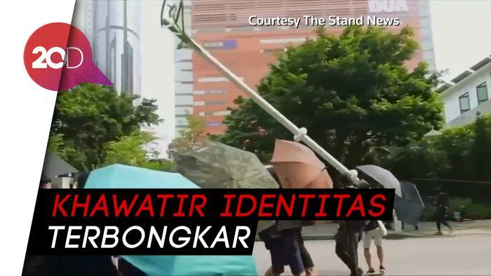 Rusuh, Demonstran Hong Kong Rusak Tiang Lampu Pintar